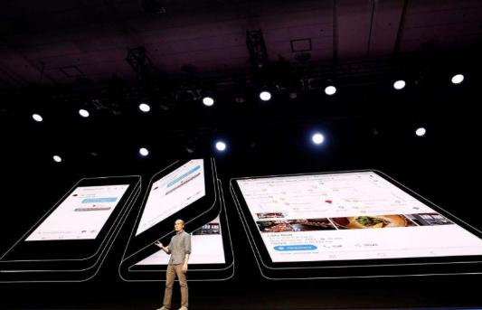 苹果公司的第一款可折叠屏幕产品并不是iPhone...