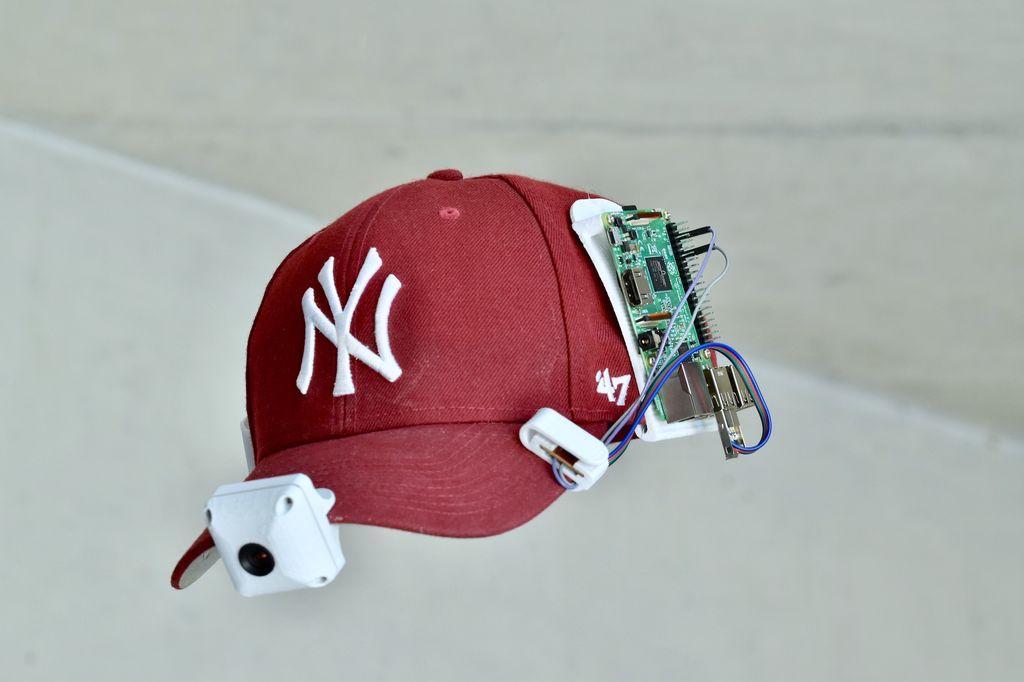 附在帽子上并由树莓派控制的相机的制作图解