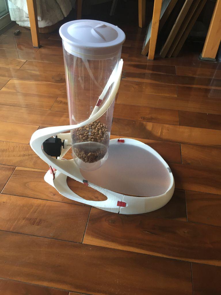 自动喂食器的制作方法
