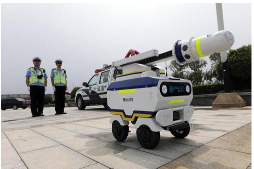 交通机器人警察怎样工作