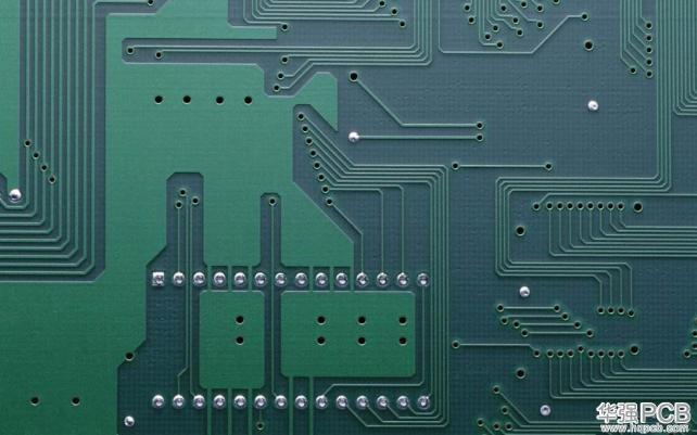 PCB板走线的直角弯曲在数字设计中表现非常出色