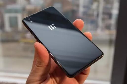 一加Pete Lau证实,今年将会推出第二款5G...