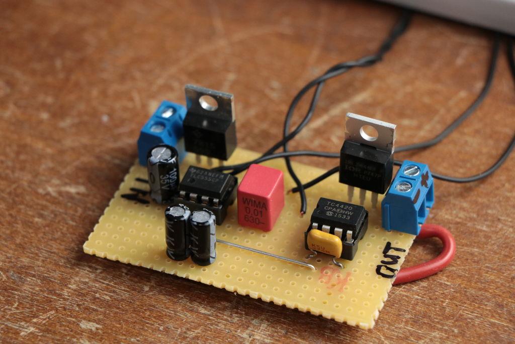 简易LED频闪仪的制作图解
