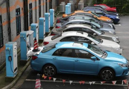 关于新能源汽车的优势和劣势分析