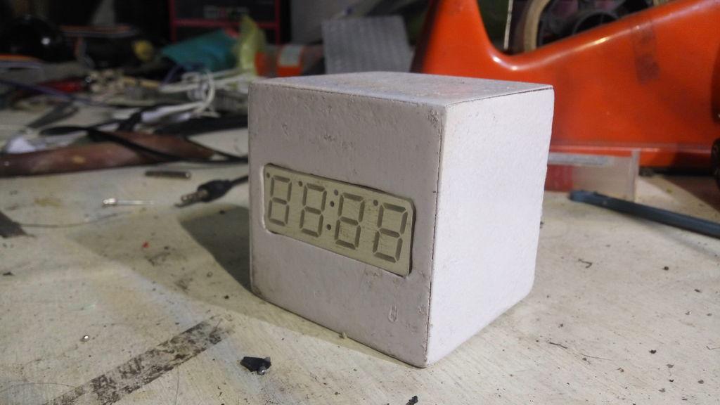 如何制作数字+模拟时钟