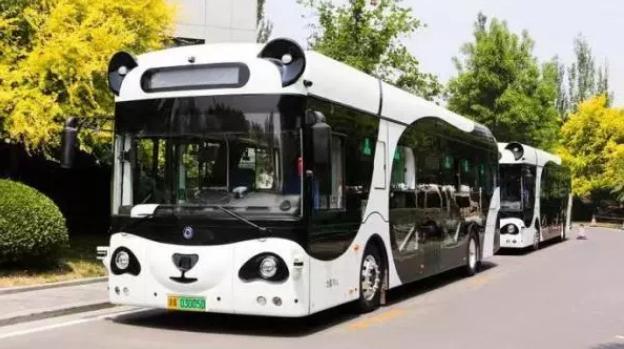 熊猫公交、AI智能扫路机 上海这家企业将人工智能落地城市服务