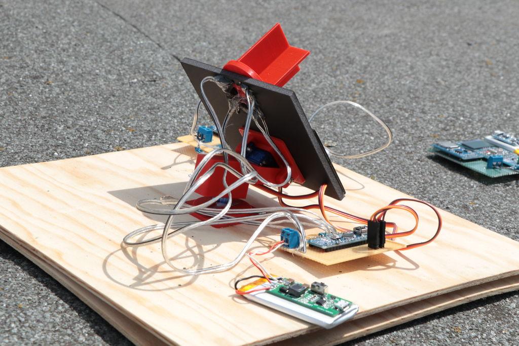 微型太阳能跟踪器DIY图解