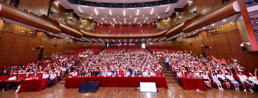 600名大学生密集训练,完成了22家企业发起的50个AI实践课题