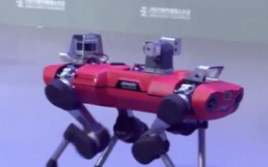 用算法控制机器人可水里工作一小时