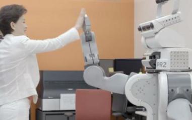 未来的女性更容易被人工智能抢掉饭碗吗