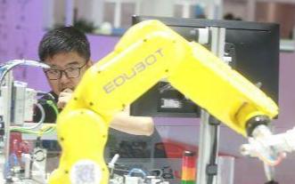 中国机器人产业链面临着挑战也面临着机遇