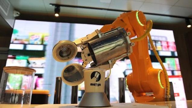 "AI人才的需求在同比增长,上海AI产业同样面临""..."