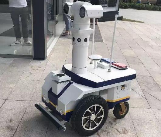 探索AI制度供给上海责无旁贷