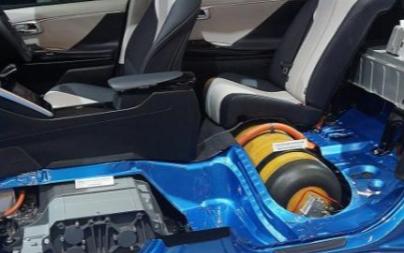 研究人员发明了新型经济有效的燃料电池技术