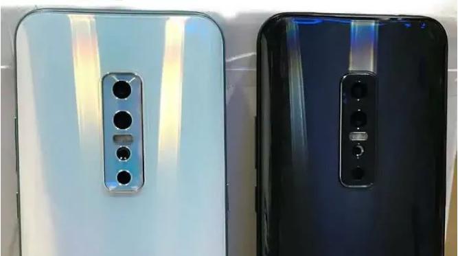 Vivo V17 Pro 在印度排灯节前被曝光,用后置四摄+玻璃后盖