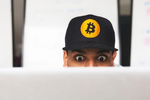 Facebook正在利用区块链和加密技术来达到自...