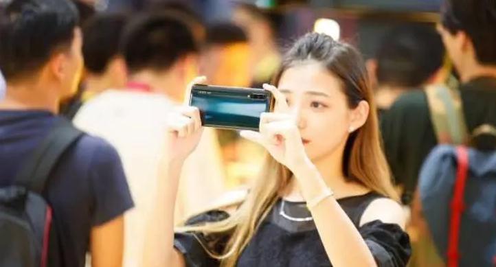 iQOO Pro 5G版刷新5G手機價格底線,預約量已經突破了15萬臺