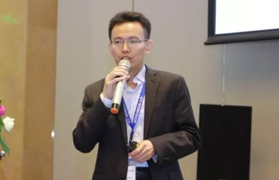 中國移動肖善鵬表示未來5G終端的發展道路會荊棘密...