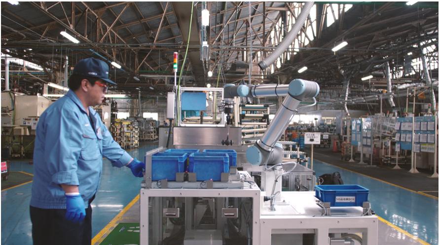 优傲机器人凭借UR5帮助吉凯恩传动 复制N个高级...