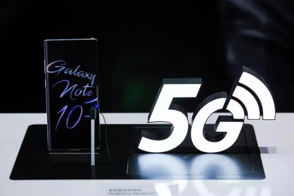 在5G到来之际,Note10系列的发布让三星打响...