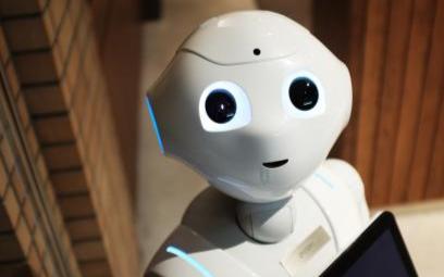 在未来机器人将会渗透到各个行业中