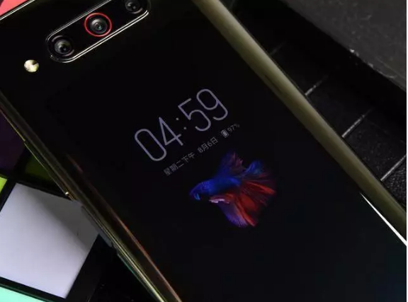 努比亚Z20 VS vivo NEX双屏版不过想来自己利用了苍粟旬手机谁做得更为成熟?