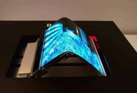柔性OLED显示器在智能手机领域面临的挑战和机遇