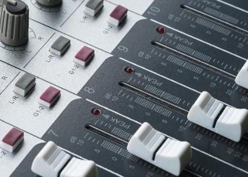 低频功率放大电路的特点及提高功率的方法