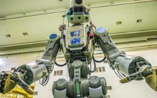 宇航员机器人将3D打印的骨组织样本带回地球