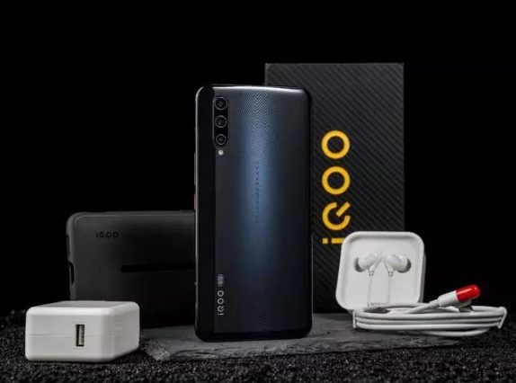 "iQOOPro5G全面发展,强悍的拍照性能更是""酷客""们的最爱"