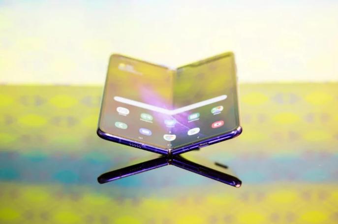 三星電子準備明年初推出第二款可折疊設備,6.7英寸屏幕
