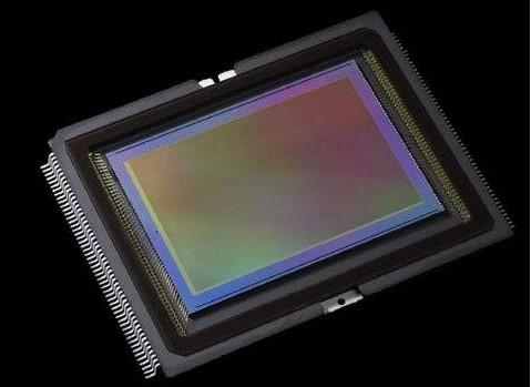 智能手机的普及拉动CMOS图像传感器市场规模增长