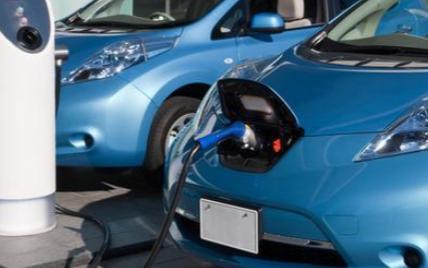 电动汽车里的电池它有多久的使用时间