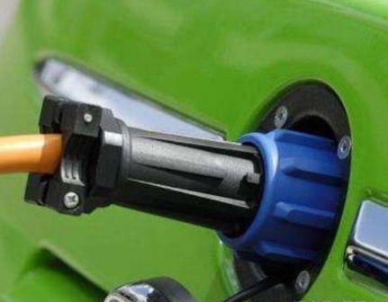 该如何突破电动汽车电池安全的瓶颈技术