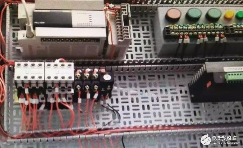 辅助触点在热继电器中的作用