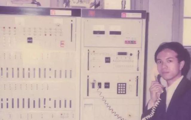 中国第一个蜂窝模拟移动网络开通的历史介绍