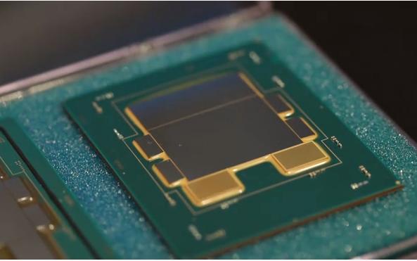 """""""六个""""Intel的必修之路——半导体封装迎来""""高光时刻"""""""