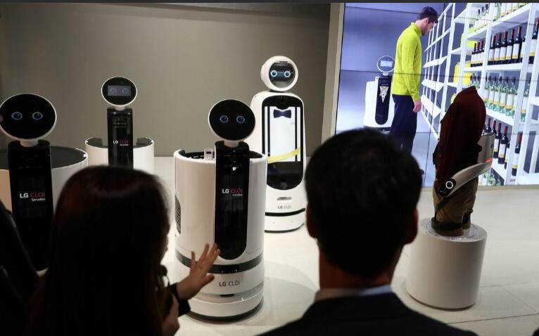 2019年全球机器人市场规模将达294.1亿美元...