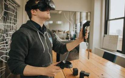 VR超大屏的问世将解锁更多的游戏体验