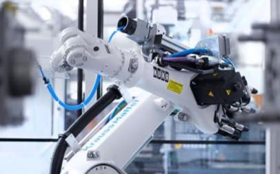 机器人市场百花齐放角逐未来千亿市场