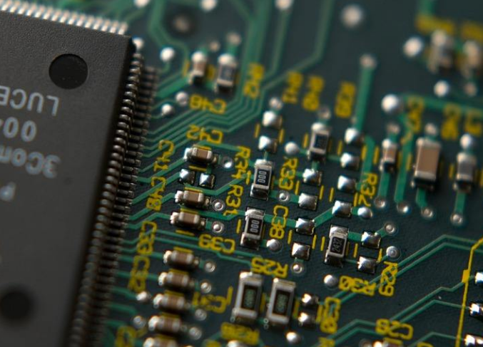 我国首次实现64层3DNAND闪存芯片的量产 将...
