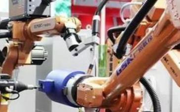 协作机器人在机器人市场中的重要性