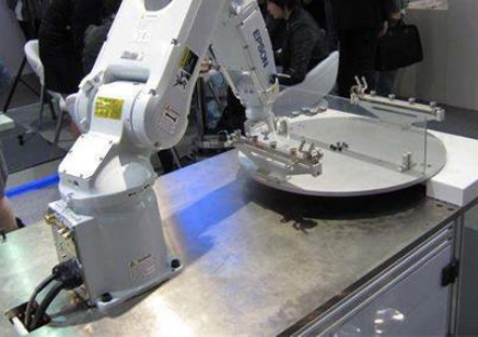 我国该如何发展工业机器人产业