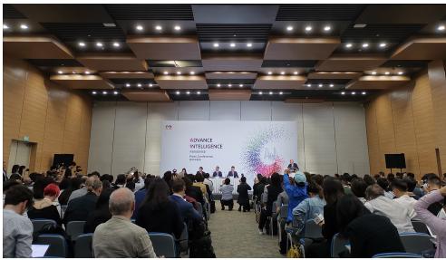 华为胡厚崑表示将5G技术转让给西方公司可以让全球...