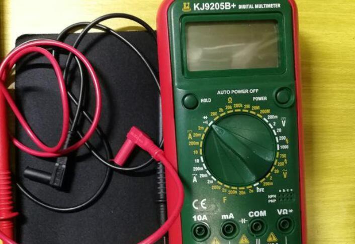 如何用万用表的电阻档来测量电阻值