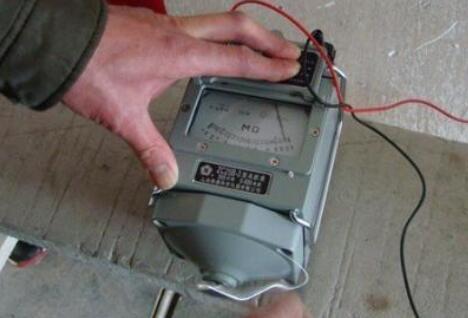 搖表測量電機的方法步驟