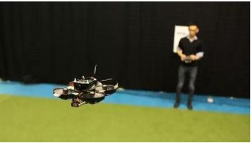 世界上最小的自主飞行竞速无人机是怎样的