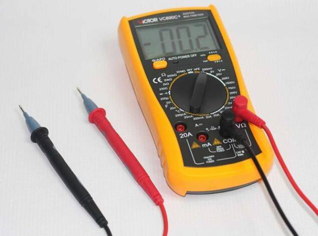 万用表如何测量交流和直流电压