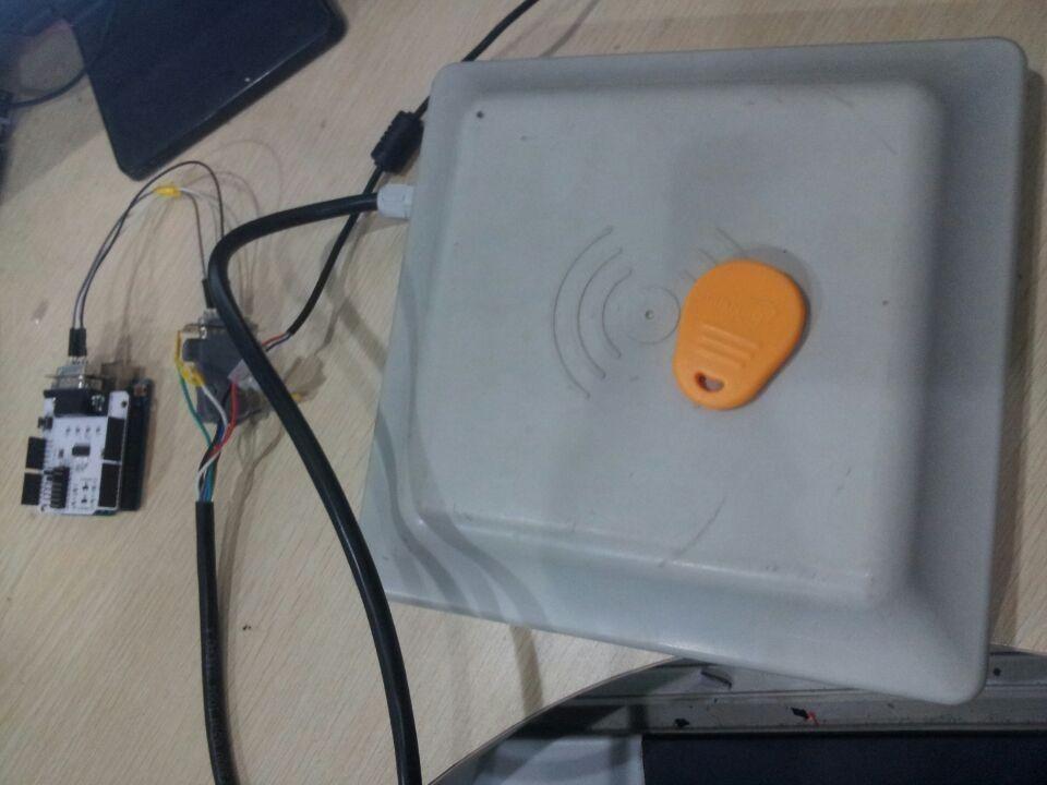如何使用集成的UHF RFID阅读器与Arduino和RS232 Shield