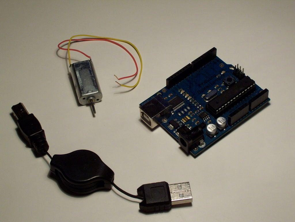 Arduino的簡單2路電機控制圖解